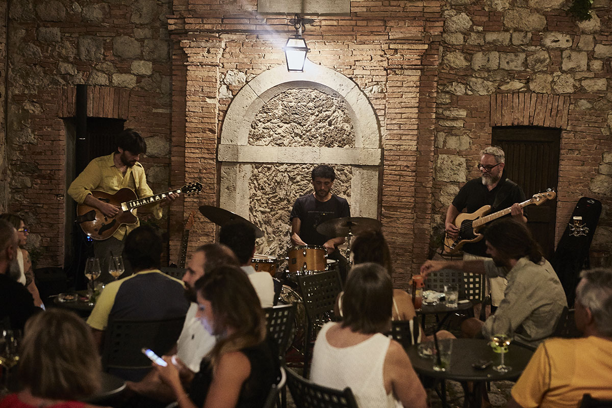 Lounge Bar - Live music, Concerts and events in Sarteano - Live music 3